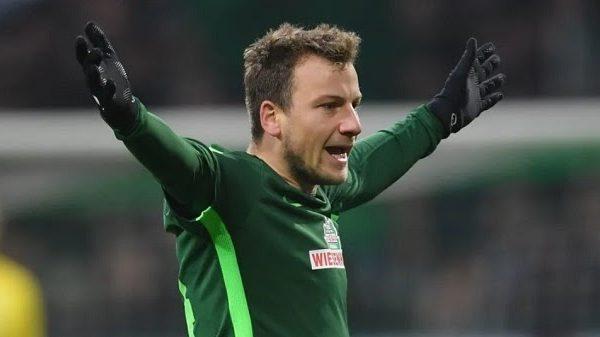 Năm 14 tuổi Philipp Bargfrede bắt đầu chuyển sang học viện bóng đá của câu lạc bộ Werder Bremen