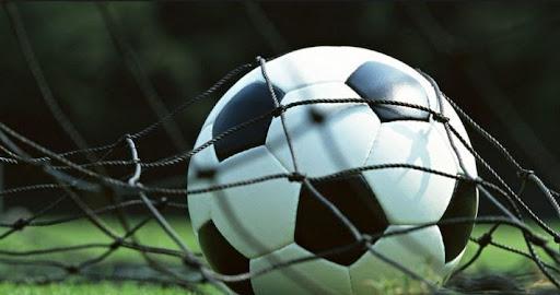 Cá độ bóng đá trực tuyến có nên chọn theo số đông?